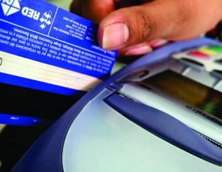 Recibimos todas las tarjetas y pagos en efectivo en Nuestra oficina